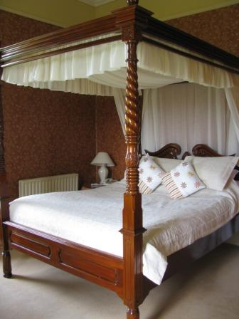 Four Poster Bed, Ballinalacken Castle, Doolin