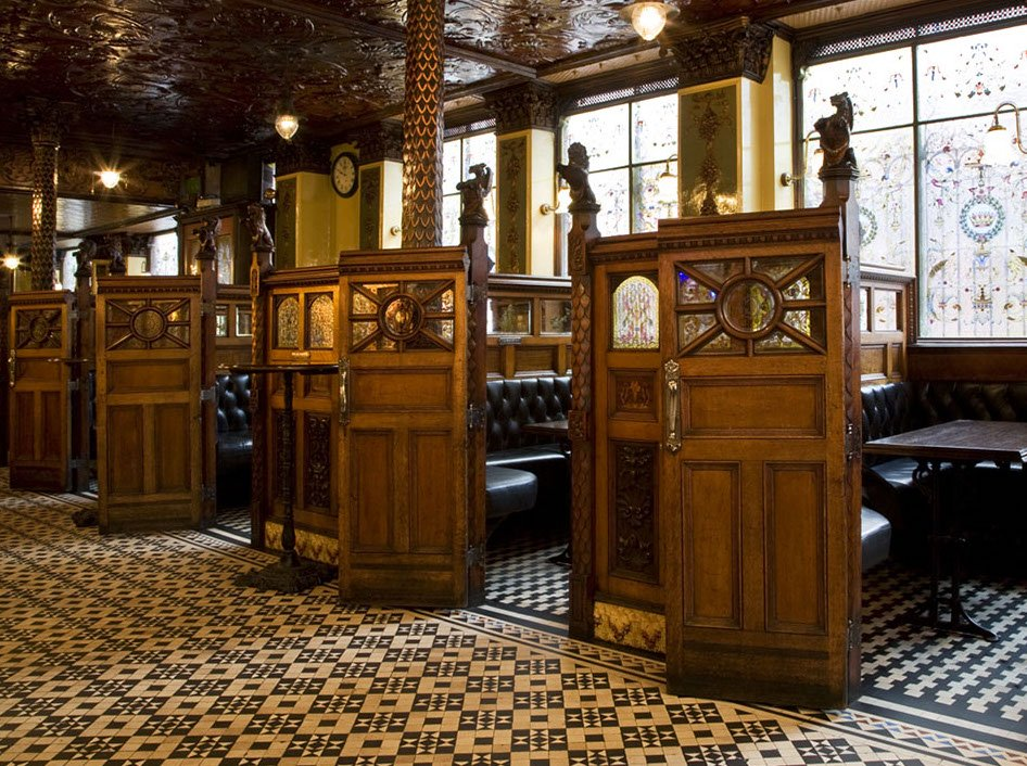 Crown Liquour Saloon, Belfast