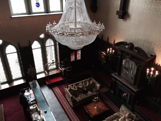 Kilronan Castle, vaulted hall and reception area with crystal chandelier